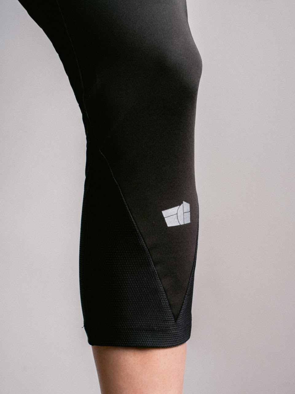 Creta Legging - Leg Detail - ÉCH Apparel