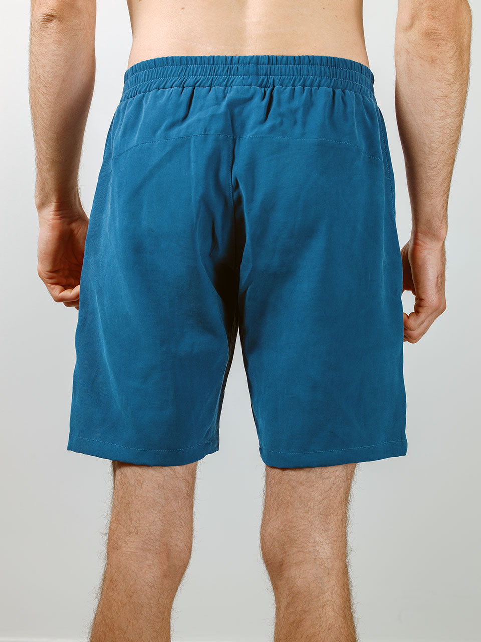 ÉCH Apparel – Back of Ignis shorts